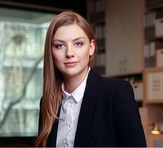 Marlena Oryniak, Adwokat, Młodszy Partner